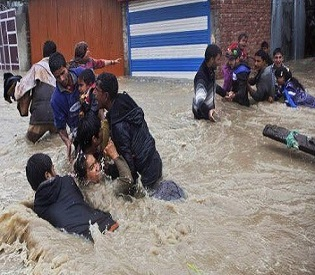 hromedia India Bus carrying wedding guests swept away by flooded stream in Kashmir; 50 missing intl. news2