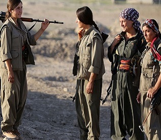 hromedia Kurdish female fighters face jihadists in Iraq north arab uprising4