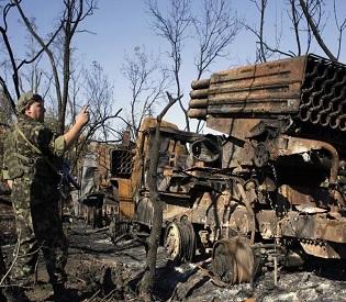 hromedia NATO says Russian forces 'still inside Ukraine', clashes continue despite truce eu news3