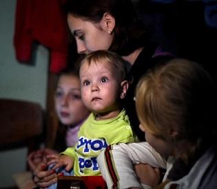 hromedia Residents see little respite in war-ravaged eastern Ukraine eu news3