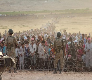 hromedia Syrian Kurds fleeing Islamic State gather on Turkey's border arab uprising2
