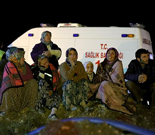 Rescuers press to save 18 trapped Turkish miners 1