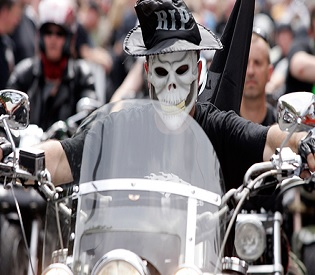 Bikers v ISIS: Dutch motorcycle gang gets green light to ...