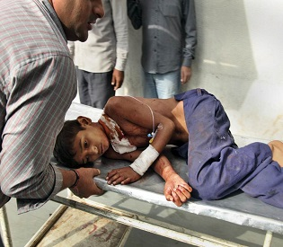 hromedia India warns Pakistan of 'high price' after 5 more civilians killed in worst fighting for years intl. news1
