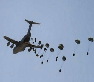 hromedia Iraqi pilots mistakenly drop arms, food supplies to ISIS fighters arab uprising2