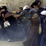 Israeli police target Palestinian women during clashes in Jerusalem