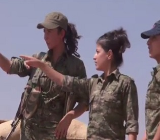 hromedia The beautiful Kurdish women who scare ISIS fighters arab uprising4