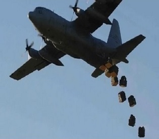 hromedia U.S. accidentally airdrop weapons To ISIS Fighters intl. news2