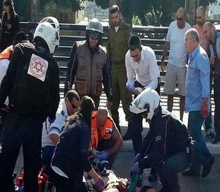 hromedia 1 Israeli killed, 3 wounded in stabbing attacks in Tel Aviv arab uprising2