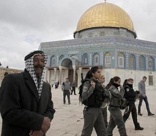 hromedia Israeli police clash with Palestinians as tensions rise in Jerusalem arab uprising4