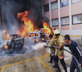 hromedia Protesters burn state assembly over Mexico students 'massacre' intl. news3