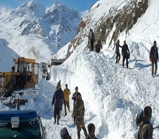 hromedia Afghanistan avalanche death toll climbs to 100, scores still missing intl. news5