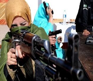 hromedia Pakistani teachers arming selves in response to Peshawar school massacre intl. news2