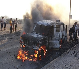 hromedia Planes of Saudi-led alliance hit Yemen capital, Houthi heartland arab uprising2