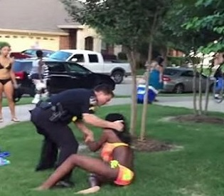 hromedia Bikini-clad girl thrown to ground by Texas officer intl. news1