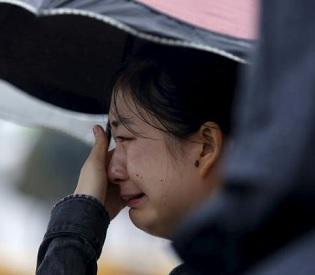 hromedia Families mourn at China shipwreck site as survivor hopes fade intl. news3