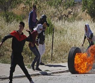 hromedia Israeli border forces kill Palestinian in West Bank arab uprising3
