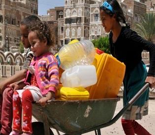 hromedia UNICEF says 80 percent of Yemenis need aid arab uprising3