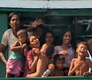 hromedia Thousands of Rohingya People Risk Death, Slavery to Escape Myanmar intl. news2