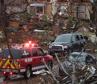 hromedia 43 Dead Across 7 States After Week of Devastating Tornadoes, Flooding and Storms intl. news3