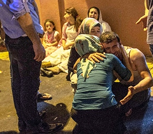 30 killed, 94 hurt in wedding attack in Turkey