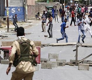 Kashmir protesters