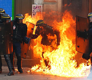 new-clashes-in-france-at-demos-over-labour-reforms