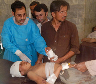 suicide-bomber-kills-28-at-mosque-in-nw-pakistan