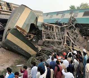 Karachi train collision
