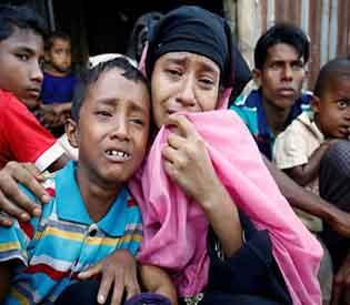Myanmar Rohingya flee
