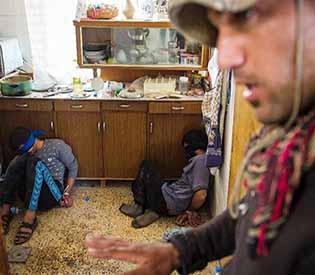Iraq troops battle Islamic States
