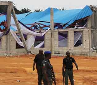 nigerian church collapses