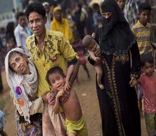 rohingya flee myanmar