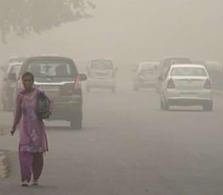 smog blankets India's capital