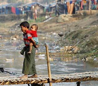 myanmar-rohingya-stuck