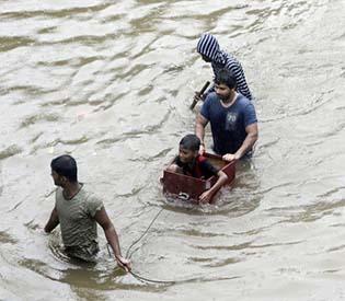 Mudslide kills atleast 8 children in india
